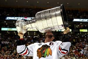Jonathan Bryan Toews kissing the Cup. | Credit: Chicago Blackhawks